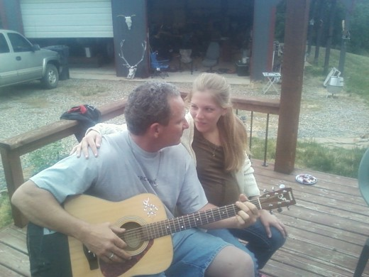 Sing me a love song sayz Emily