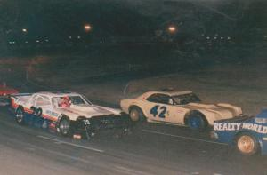 #42 Quarksire gettin passed! @ el cajon speedway nascar short track series