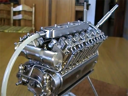 Motores-Patelo-Tiny-V-12-Engine